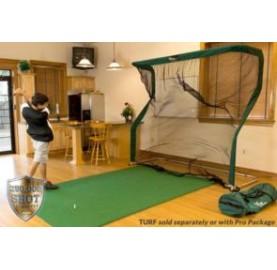 Indoor golf mat with golf net